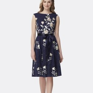 NWT! Tahari Embroidered Lace Dress .